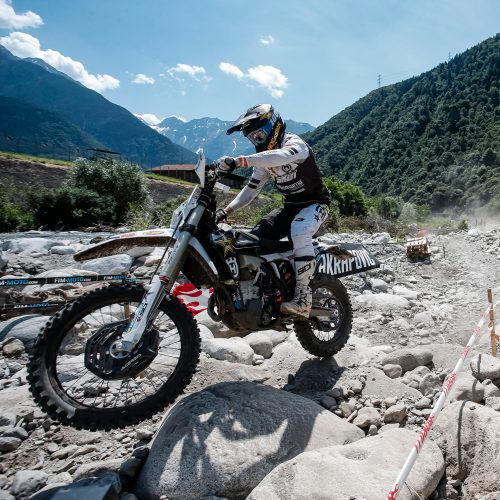 14.09.2021 Push the limits with Husqvarna Motorcycles' 2022 TE 300i and FE 350 Rockstar Editions